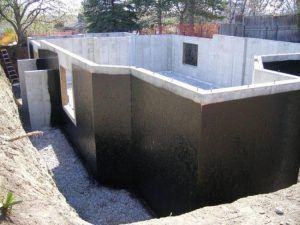 Для чего нужна обмазочная гидроизоляция фундаментов