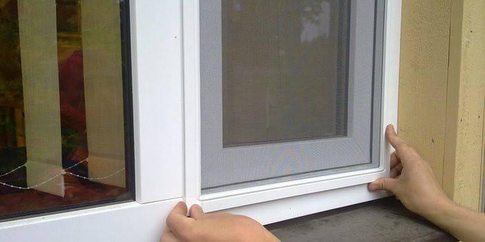 Как сделать москитную сетку на окно своими руками