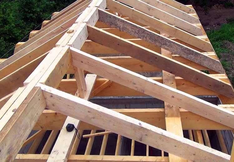 Двухскатная крыша под металлочерепицу своими руками