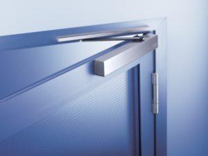 Установка доводчика на дверь своими руками: инструкция