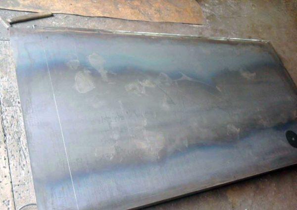 Металлическая дверь из профильной трубы