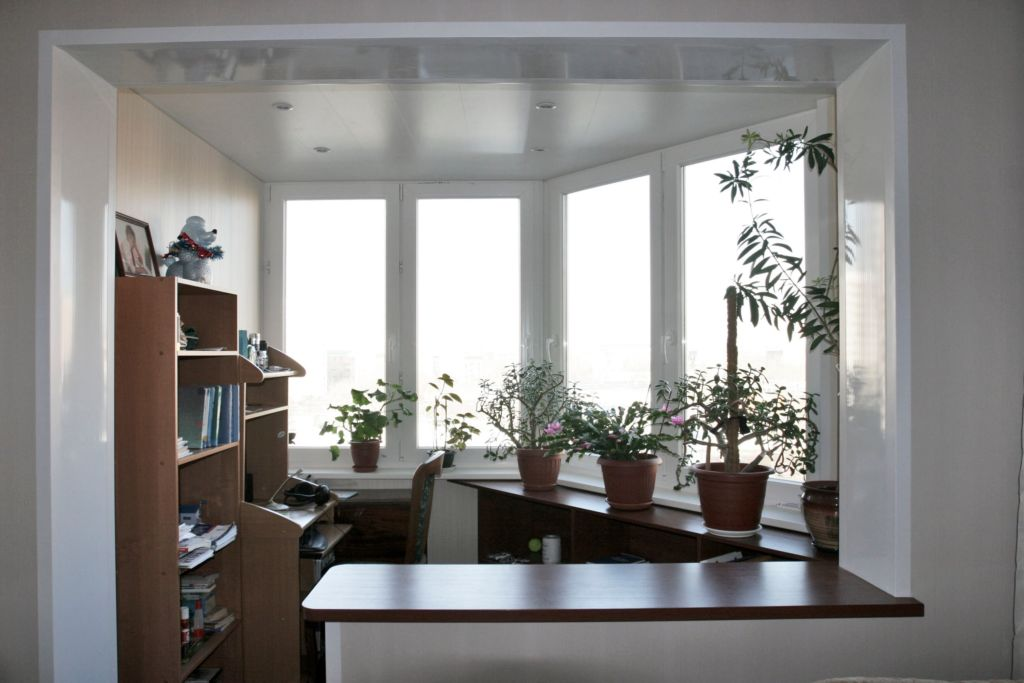 Как сделать из лоджии жилую комнату