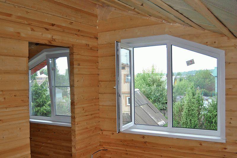 Как отделать окна снаружи в деревянном доме