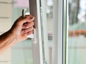 Не полностью поворачивается ручка пластикового окна. Что делать — ручка балконной двери не закрывается до конца