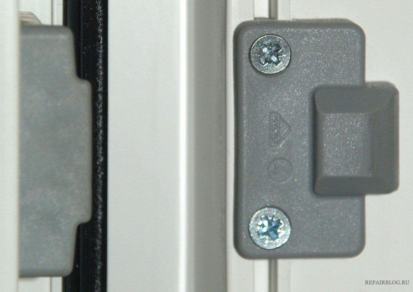 Регулировка поворотно откидного механизма пластикового окна