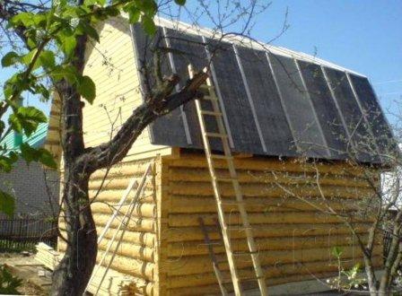 Чем лучше крыть крышу дома: сравниваем материалы для кровли по характеристикам и цене
