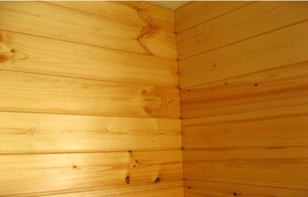 Шлифовка стен из бруса внутри дома