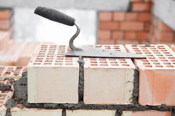 Толщина кирпичной стены зависимость прочности несущей стены от вида кирпича Какая должна быть толщина стен при кладке в 2 слоя по ГОСТу