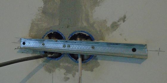 Установка розетки в кирпичную стену