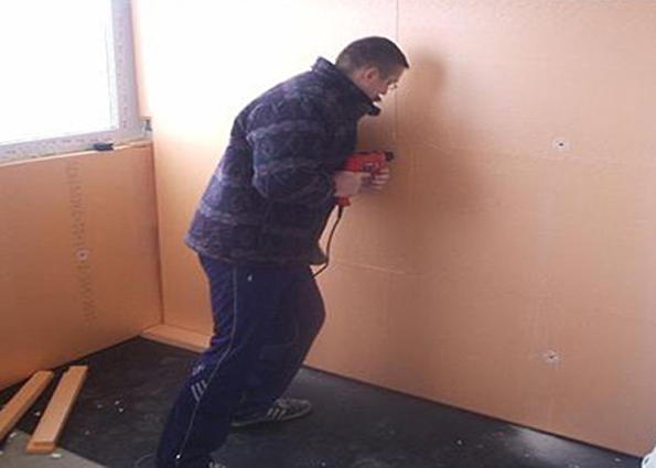 Для утепления стен в домах можно