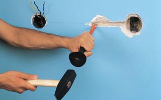 Как проштробить стену под проводку перфоратором