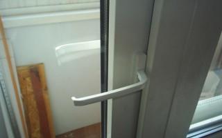 Как открыть балконную пластиковую дверь снаружи