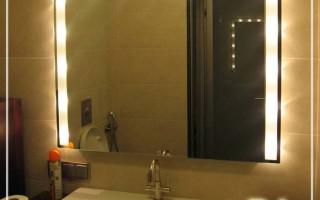 Как приклеить зеркало в ванной к стене