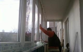 Стеклим балкон своими руками