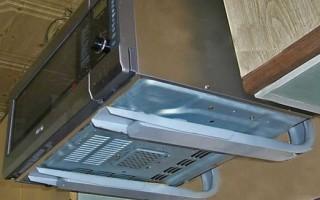 Как крепить микроволновку к стене