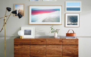 Как спрятать шнур от телевизора на стене