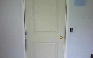 Когда устанавливать межкомнатные двери при ремонте