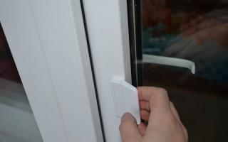 Как открыть балконную пластиковую дверь изнутри