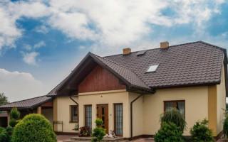 Чем перекрыть крышу частного дома дешево