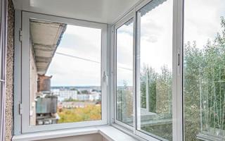 Сколько стоит отделка балкона под ключ