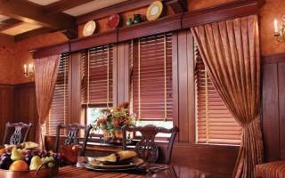 Занавески на маленькие окна в деревянном доме