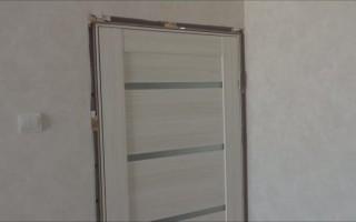 Как запенить дверь монтажной пеной