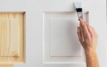 Можно ли покрасить двери покрытые лаком краской